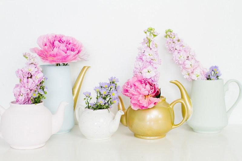 upcycling-teapots-rustoleum_credit_bespokebride